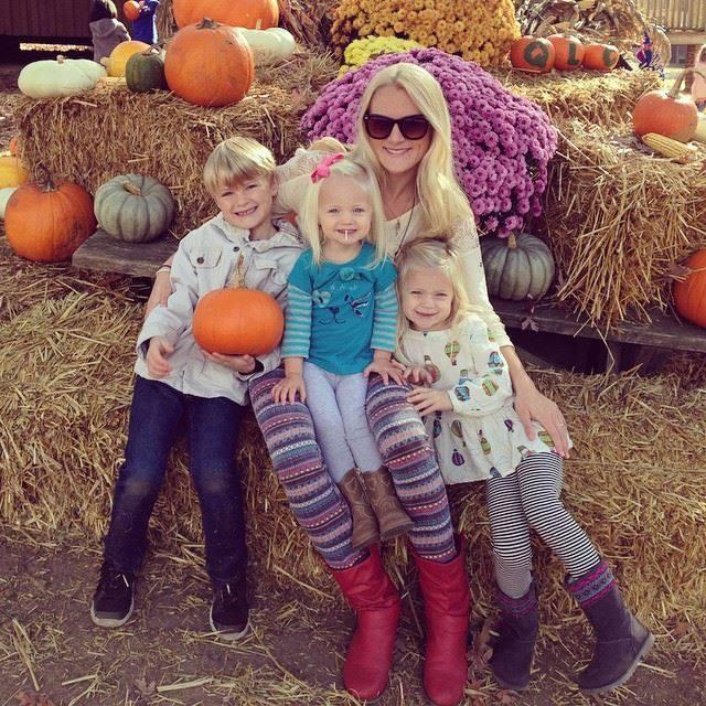 Pumpkin patch field trip with Ashers Kindergarten class.